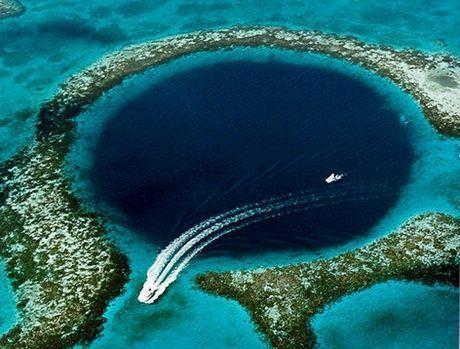 amazing-blue-hole