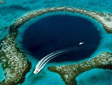 amazing-blue-hole